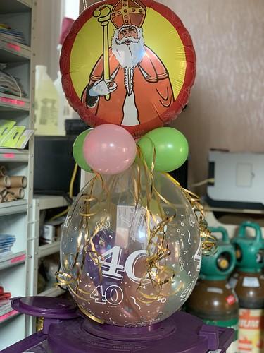 Kadoballon 40 Jaar Sint met Ballon bovenop