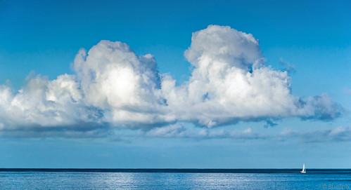 Wolken ünber dem Meer (© Buelipix)