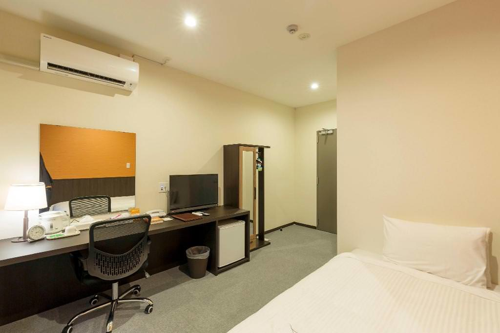 Crown Hotel Okinawa Annex 4