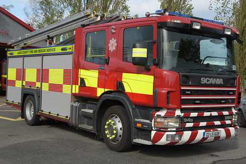 Laois County Fire & Rescue Service 2002 Scania 94D 260 Emergency One WrL 02LS6106 (Ex Bedfordshire & Luton)