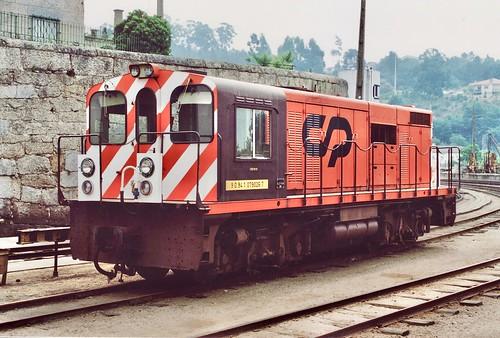 Diesel-electric metre gauge locomotice CP 9026