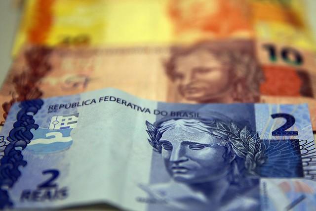 Valor anunciado pelo governo não melhora as condições de consumo das famílias - Créditos: Foto: Marcello Casal Jr/Agência Brasil
