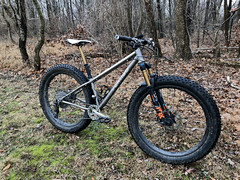 Vertigo Fat Bike with 27.5 x 3.8