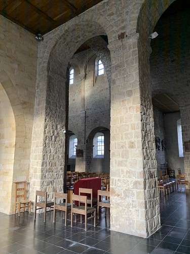 Romanesque arches, Église Sainte-Adèle-et-Saint-Martin d'Orp-le-Grand Catholic Church
