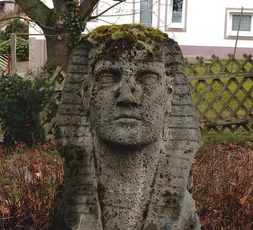 Sphinx und Jägerzaun, Meinersdorf