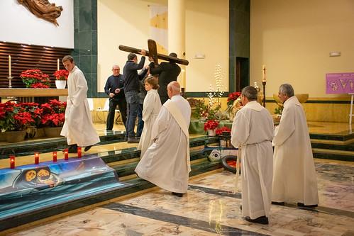 Visita Cruz Lampedusa parroquia Sta. María de la Amargura - 07