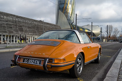 Orange 911 - Photo of Montussan