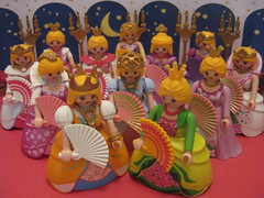 The Twelve Dancing Princesses or the Shoes that Danced into Holes - A Playmobil Faerie Tale
