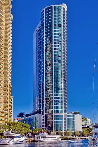 Icon Las Olas, 500 East Las Olas Boulevard, Fort Lauderdale, Florida, USA / Built: 2017 / Height: 455 feet / Floors: 44 / Architect: Sieger Suarez Architects / Architectural Style: Modernism