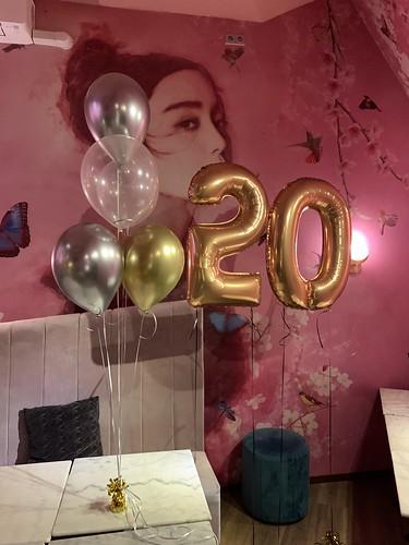 Tafeldecoratie 6ballonnen Madam Chen Rotterdam