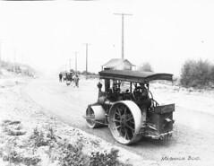 Road work on Magnolia Boulevard, 1910