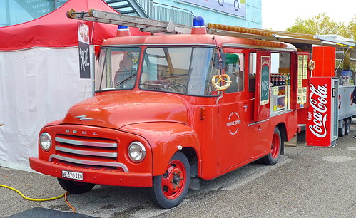 Opel Blitz 330 1960 Ex-Feuerwehr Rheinfelden-1992 in Bern 25.10.2019 2620