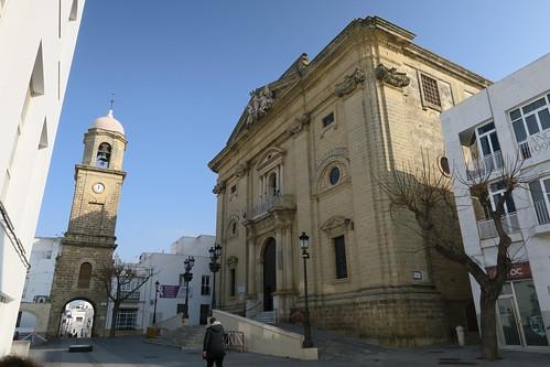 Iglesia de San Juan Bautista - Vista con la Torre del reloj