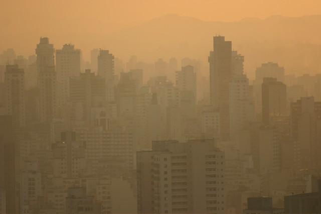 Combate a poluição traria economia aos cofres públicos - Créditos: Thomas Hobbs (CC)