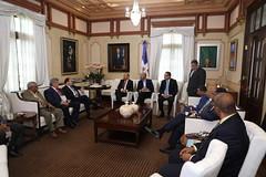 Danilo Medina se reúne con sector eléctrico; abordan mejoría sustancial en servicio a partir entrada Central Termoeléctrica Punta Catalina