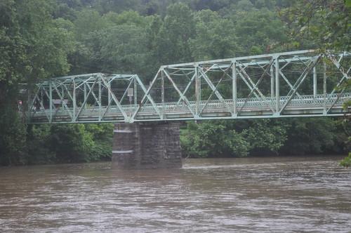1 lane bridge over the Lehigh River