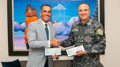 Más seguridad en Peravia y Azua: Gobierno entrega fondos, prometidos en Visitas Sorpresa, para construir destacamento y comprar motocicletas