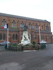 Wavrin Église Saint-Martin  et Monument aux morts