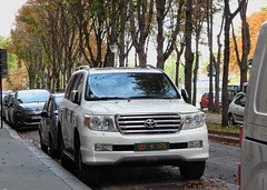 Toyota Land Cruiser 200 (France diplomatic: UAE)