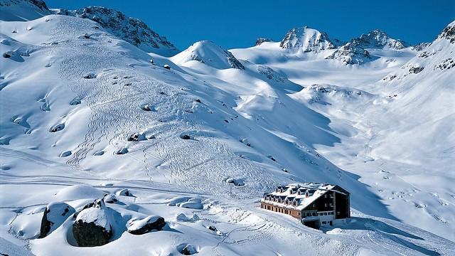 """Die """"Blaue Silvretta"""" mit der Jamtalhütte, 2165 m."""