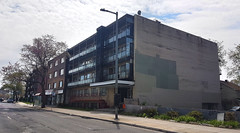 Luka Magnotta apartment building, 5720, Boulevard Décarie, Montréal