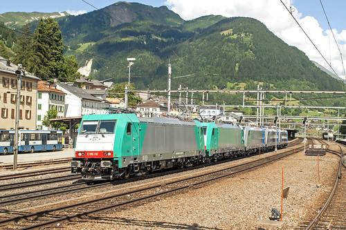 7438 E186-110 leads 4 locos @ Airolo