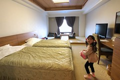 SAKIKO check in to Toya Sun Palace Resort & Spa.