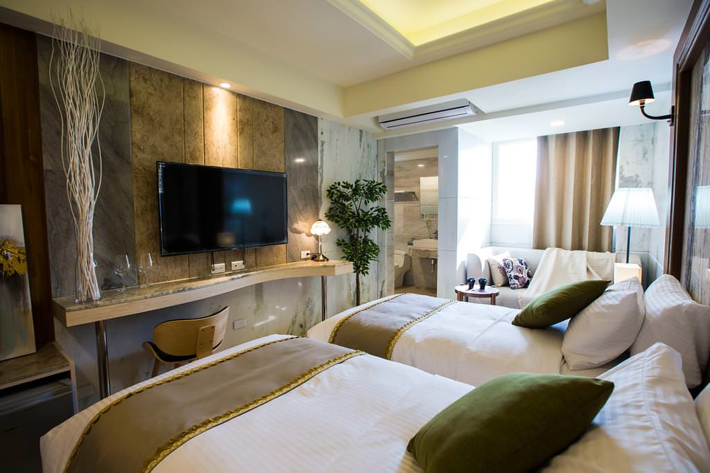 Hotel Maple 2