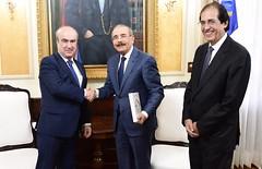 Presidente Danilo Medina recibe visita del secretario de la OEI Mariano Jabonero