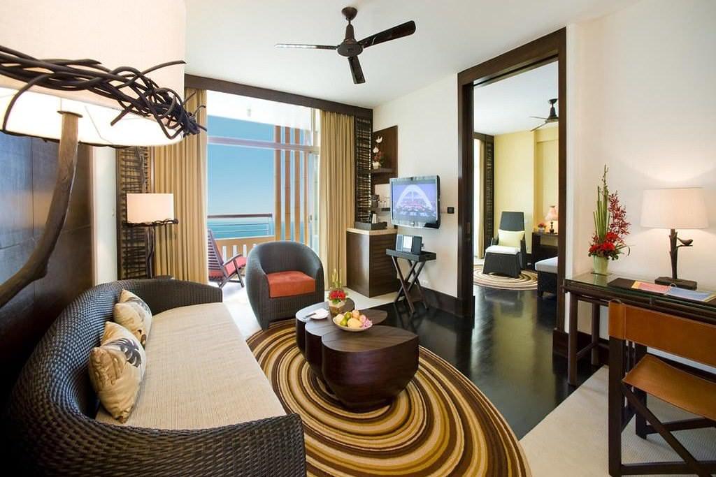 Centara Grand Mirage Beach Resort 2