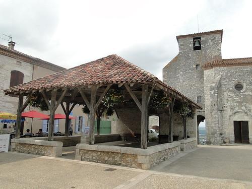 Lot-et-Garonne. Pujols. Halle (19e S)