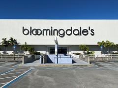Bloomingdales Sign The Falls