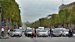 Les Champs-Elysées On and Off (22)