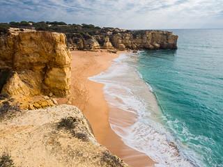 A walk along the cliff tops between Castelo and Rabbit beaches