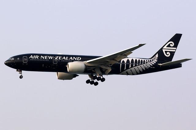 Air New Zealand | Boeing 777-200ER | ZK-OKH | All Blacks livery | Hong Kong International