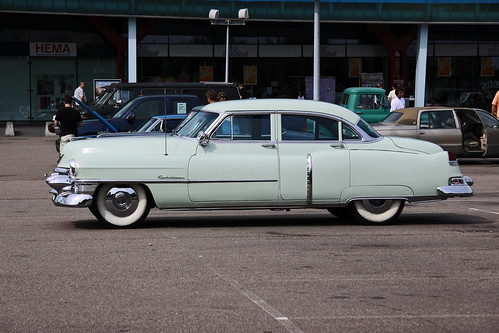 Cadillac Touring Sedan 1953 (4525)