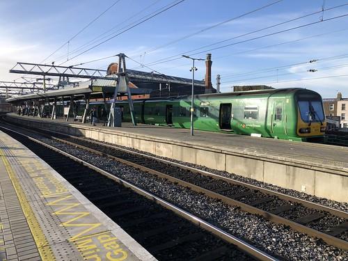 29xxx at Platform 7, Connolly Railway Station.