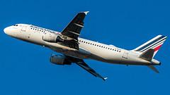 A320-200 Air France - Photo of Le Rove