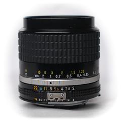 Nikon Nikkor 28mm f/2 Ai-S Nikon-F (1981)