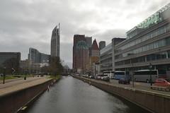 Hoogbouw en water in Den Haag (136FJAKA_3302)