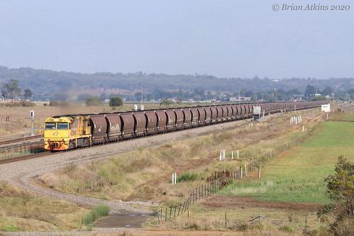 IMG_3070 5032 train 5002 Whittingham MR914 20.1.20_1
