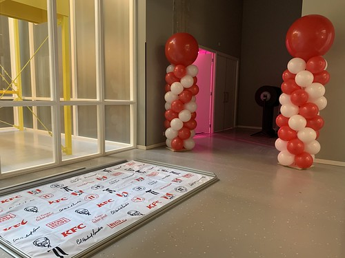 Ballonpilaar Breed Rond KFC Bruno Room Mate Hotel Rotterdam