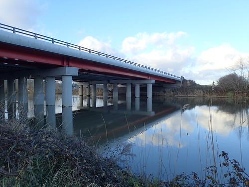 Le pont de l'autoroute.