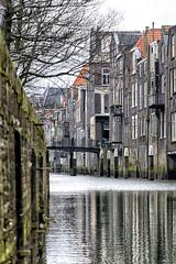 Voorstraathaven met historisch Pelserbrug