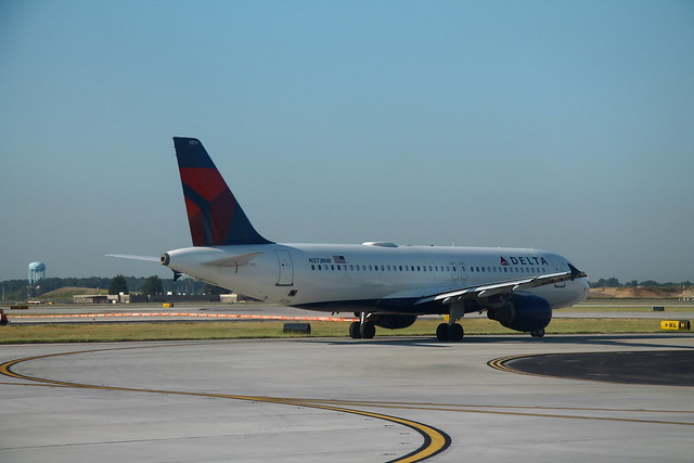 Delta N373NW: Airbus A320
