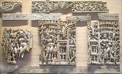 Plaques d'ivoire indien sculpté du trésor de Begrâm (musée Guimet, Paris)