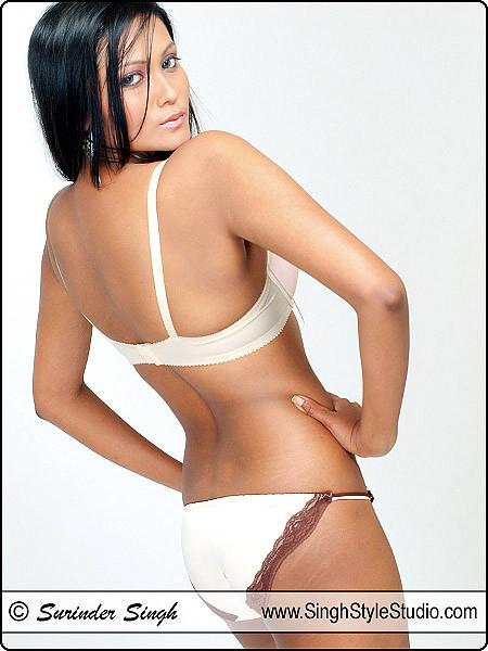Delhi Modeling : e-Commerce Lingerie Fashion Product Catalog Photography in Delhi Noida Gurgaon India
