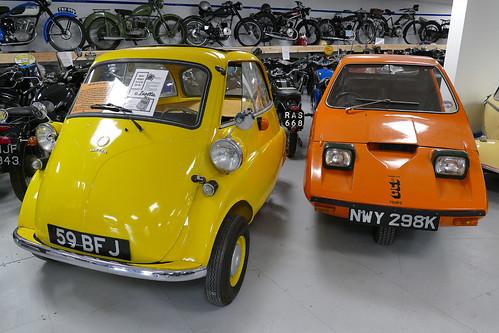 D22106.  Isetta Bubblecar & Bond Bug.