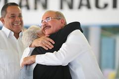 Presidente Danilo Medina entrega 1,911 certificados de títulos de propiedad a parceleros y residentes de Montecristi