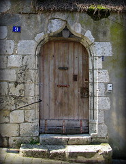 Double-arched doorway with shield, Chartres, France